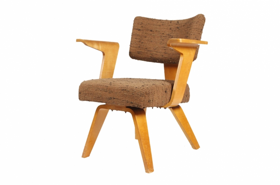cor-alons-chair-for-gouda-de-boer.jpg