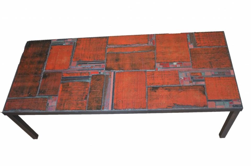 Pia Manu In Red Ceramic Tiles