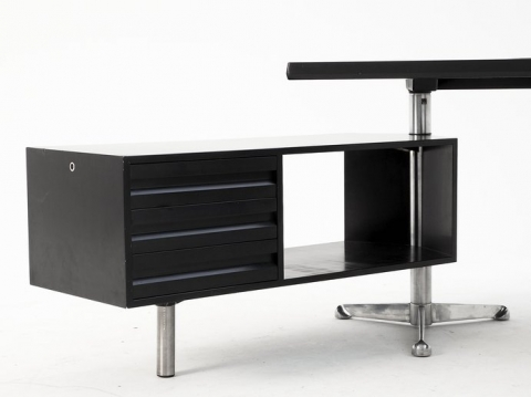 tecno-desk-2.jpeg