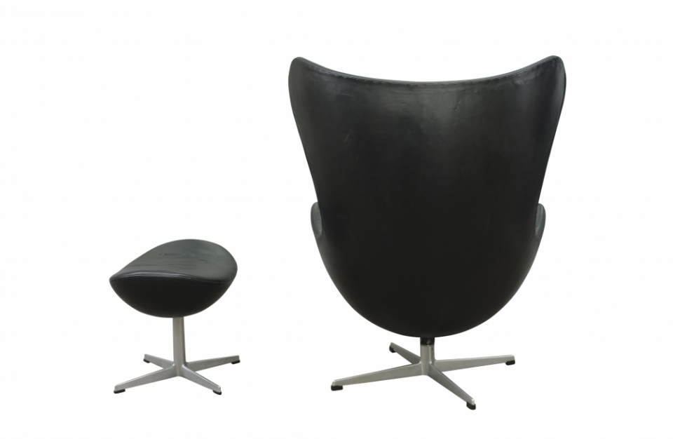 egg-chair-arne-jacobsen.jpg