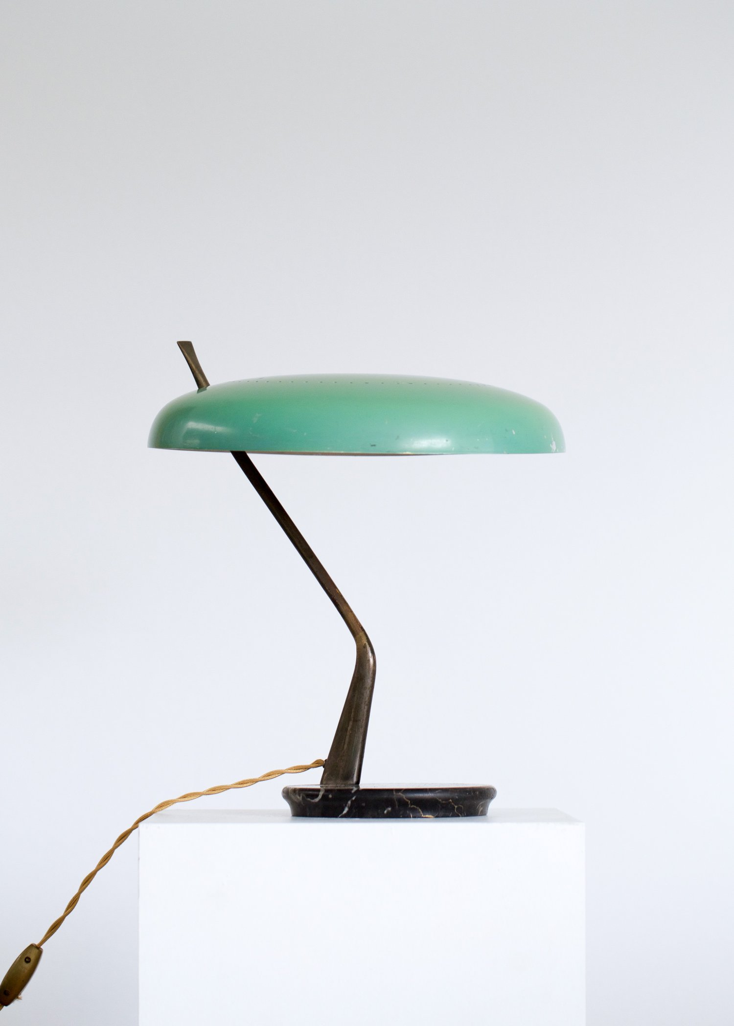 Desk lamp by Lumen Milano