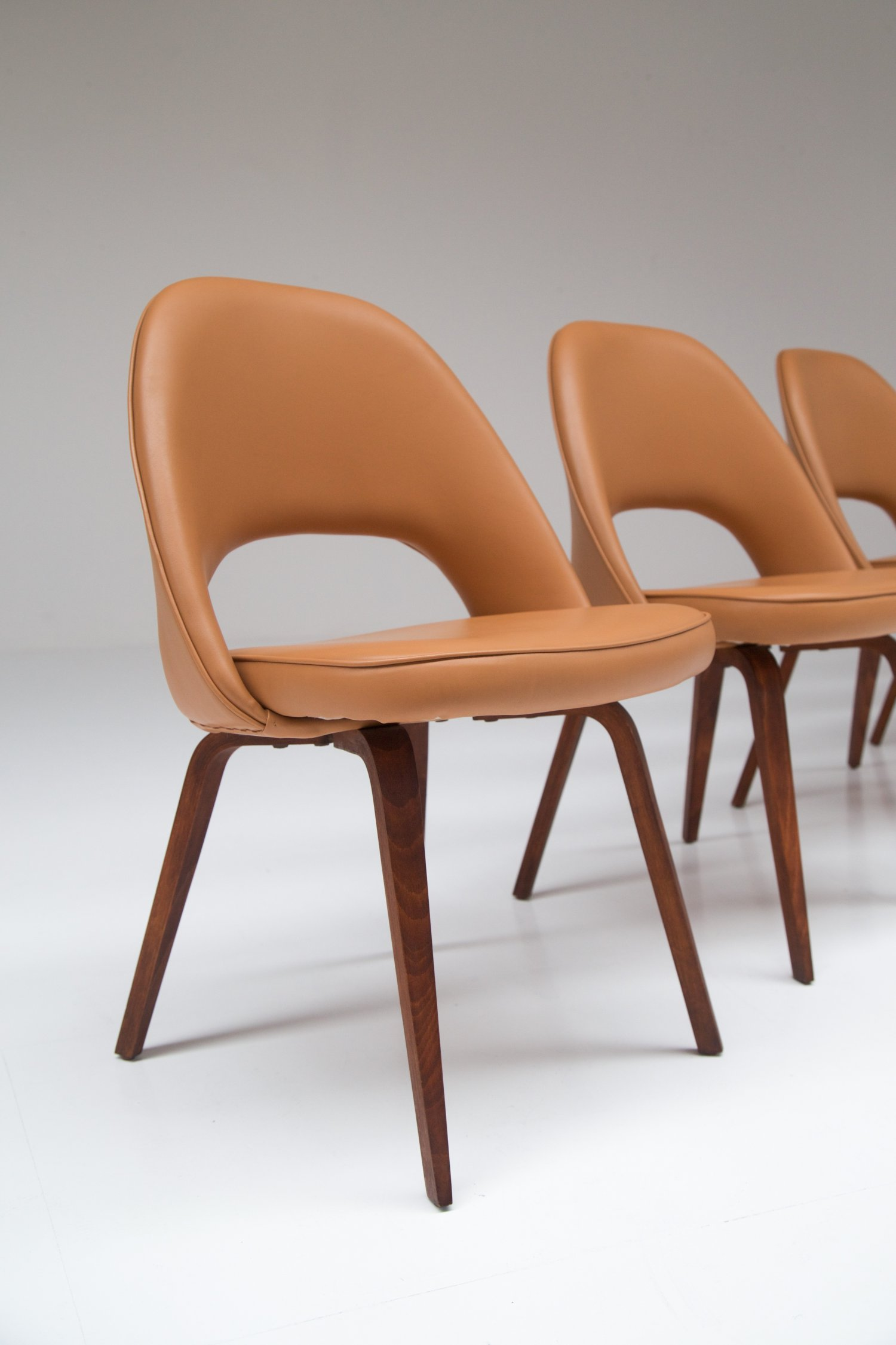 Large set of conference chairs by Eero Saarinen for Knoll