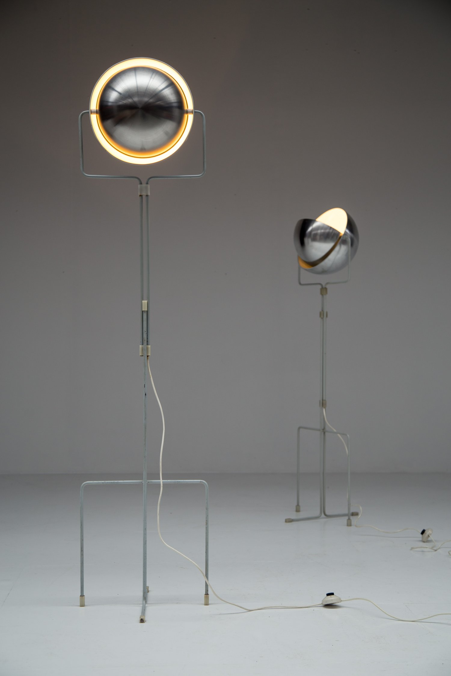 Raak Eclips floor lamp by Jelles.