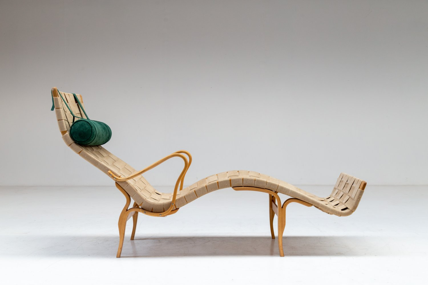 Bruno Mathsson 'Pernilla III' lounge chair.