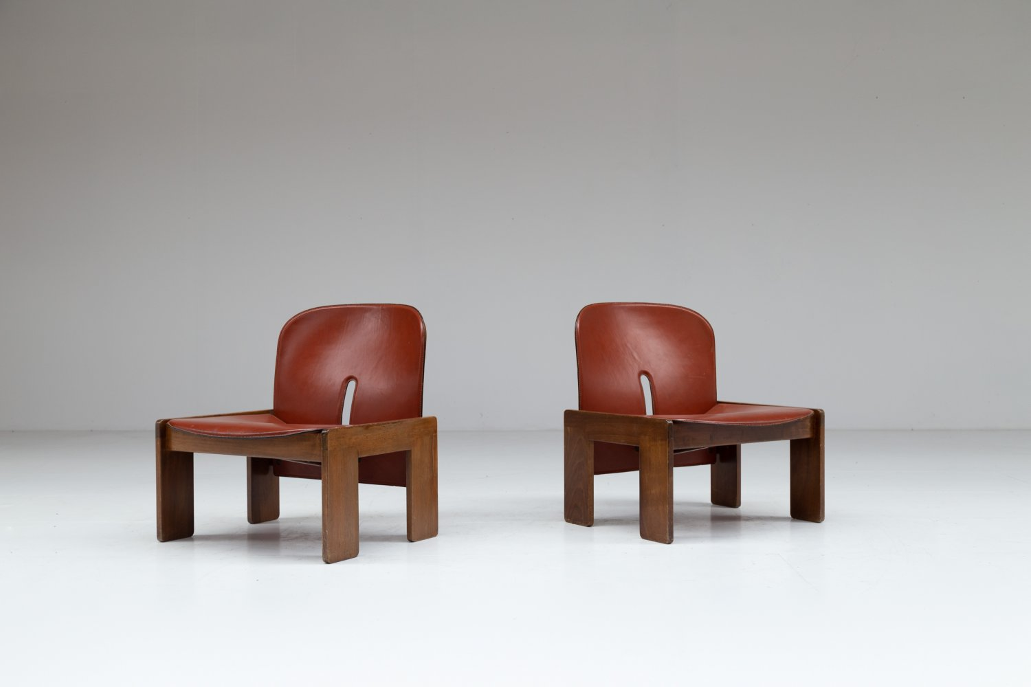Pair of 925 low chairs by Afra & Tobia Scarpa for Cassina